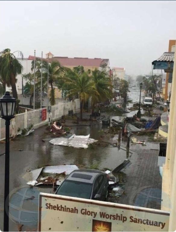destrozos deja el huracan irma en san martin
