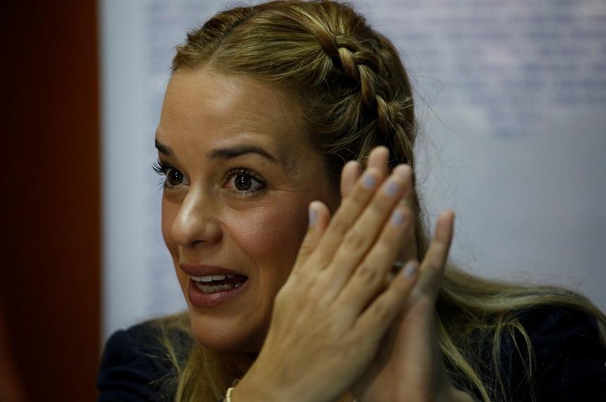 Merkel exige a Venezuela levantar prohibición de salida del país a Tintori