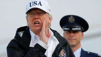 Trump firma resolución condena supremacistas blancos