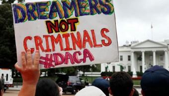 Dreamers esperan la decisión de Trump sobre el programa DACA