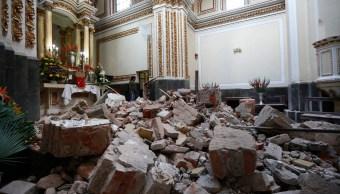 Autoridades trabajan en el retiro de escombros en Puebla
