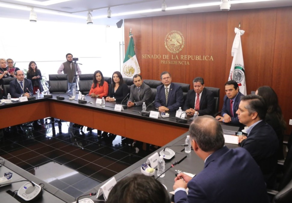 organizaciones entregan iniciativa senado fiscalia autonoma