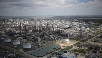 Goldman Sachs informa que los huracanes afectaran la producción petrolera