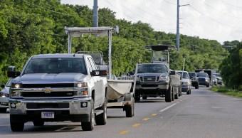Desalojan turistas llegada huracan Irma Florida