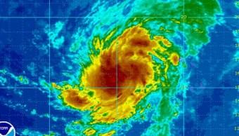 Puerto Rico se mantiene alerta amenaza huracan Irma
