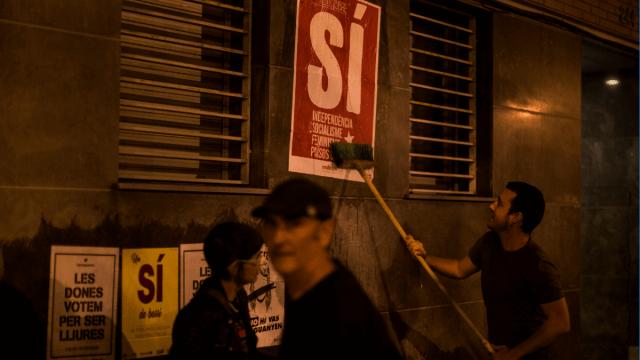 Independentistas catalanes promueven el 'sí' en el referéndum