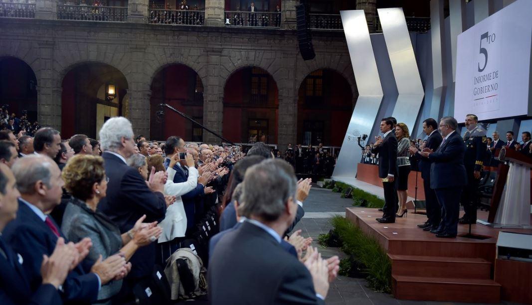 Peña Nieto destaca avances y retos en mensaje por Quinto Informe
