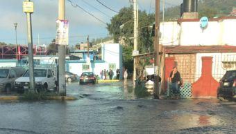 Fuga de agua inunda casas en la delegación GAM