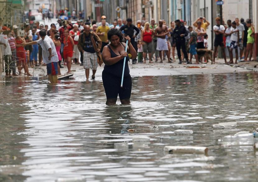 Esperan olas de 9 metros en Cuba por 'Irma'