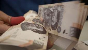 La moneda mexicana gana levemente en la jornada