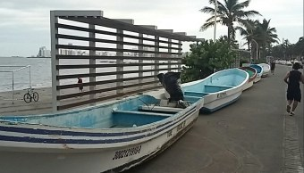 Pescadores mantienen resguardo de lanchas en Veracruz