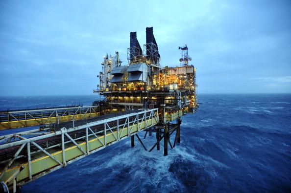 Huracanes provocaron desaceleración en demanda mundial de petróleo