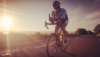 Mark Beaumont realiza vuelta al mundo en bicicleta