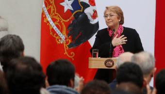 Michelle Bachelet rinde homenaje a víctimas de dictadura en Chile