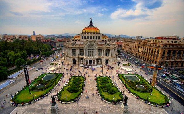 Panorámica de la Ciudad de México con la fachada de Bellas Artes