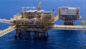 Petróleo mexicano cierra en 54.55 dólares