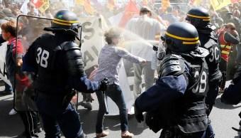 Arrestan a tres personas en protesta contra reforma laboral de Macron