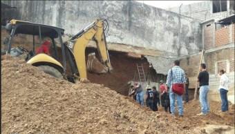 Colapsa construcción en Michoacán rescatan a trabajadores
