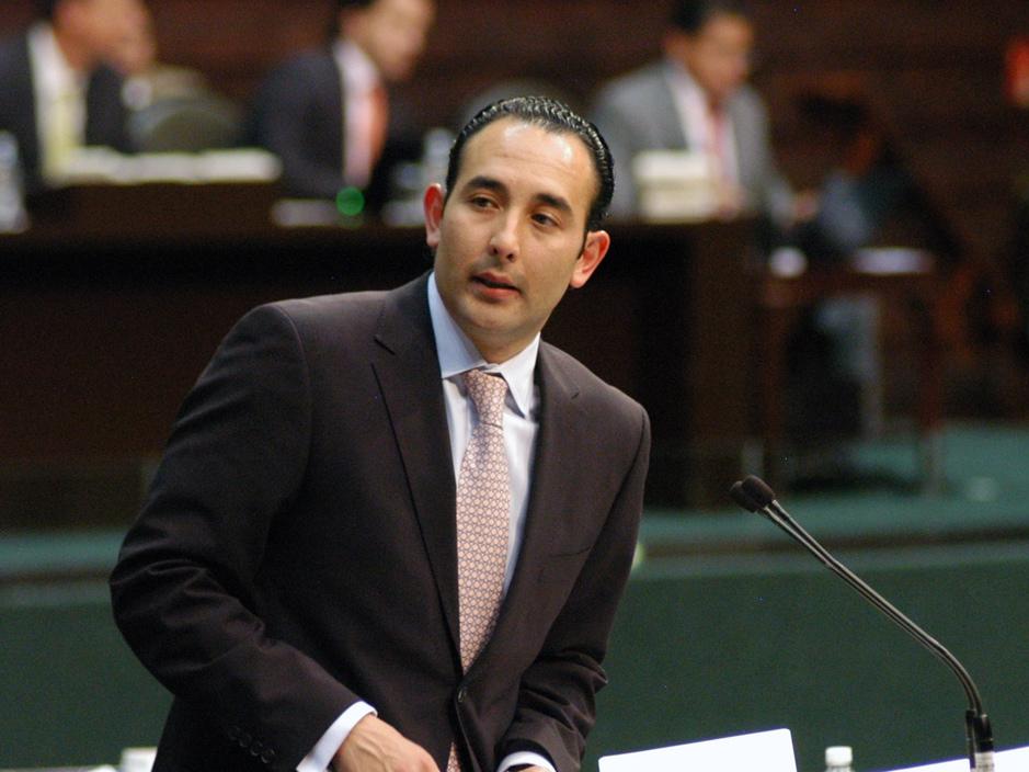 El panista Gil Zuarth anuncia su retiro de la vida política