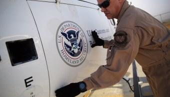 Demandan a Gobierno de Trump por revisar celulares al cruzar la frontera