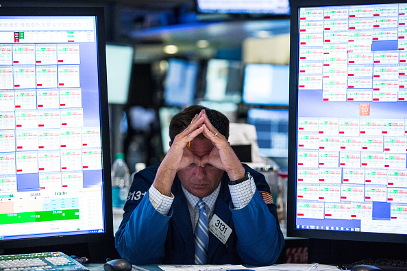 Wall Street abre a la baja tras posible alza de tasas