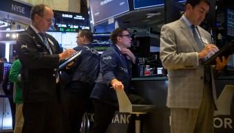 Wall Street cae por evitar activos de riesgo