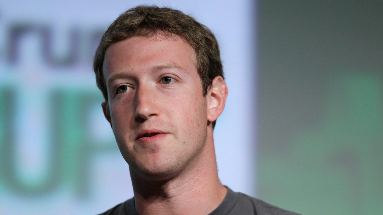 Mark Zuckerberg defiende Facebook ataques Trump
