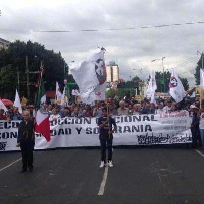 Con marcha al Zócalo recuerdan 49 años del 2 de octubre de 1968