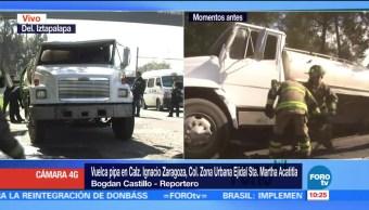 Vuelca pipa en calzada Ignacio Zaragoza; no hay lesionados