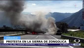Habitantes de la sierra de Zongolica bloquean autopista Puebla-Veracruz