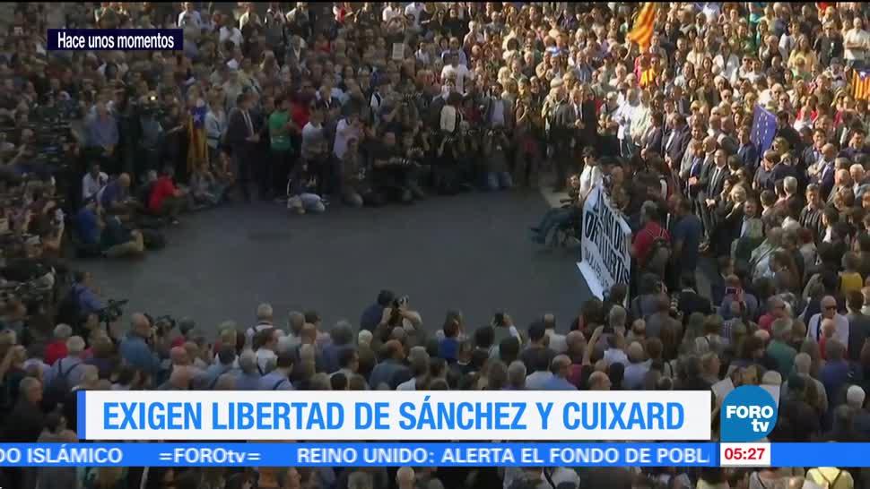 Ciudadanos exigen libertad de líderes catalanes
