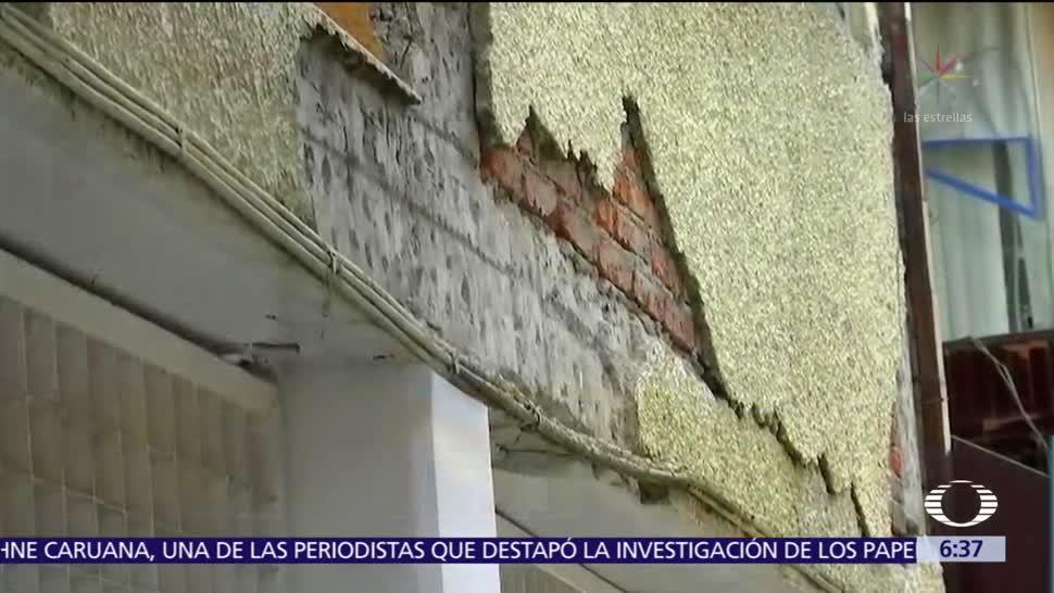 Mancera anuncia que se deberán retirar espectaculares de azoteas tras sismo