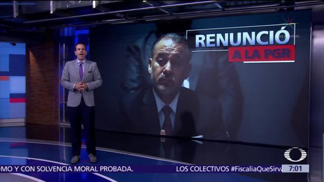 Raúl Cervantes renuncia a la PGR; Alberto Elías Beltrán asume funciones