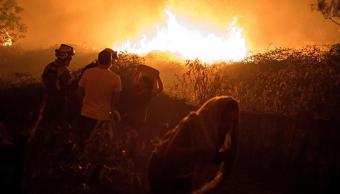dos muertos dejan incendios en galicia españa