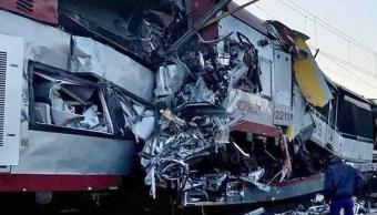 tren arrolla camion pasajeros muertos rusia