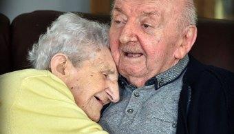 Ada Keating sigue cuidando a su hijo Tom, de 80 años