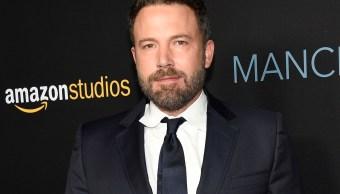 Ben Affleck pide disculpas por tocar pecho de la actriz Hilarie Burton