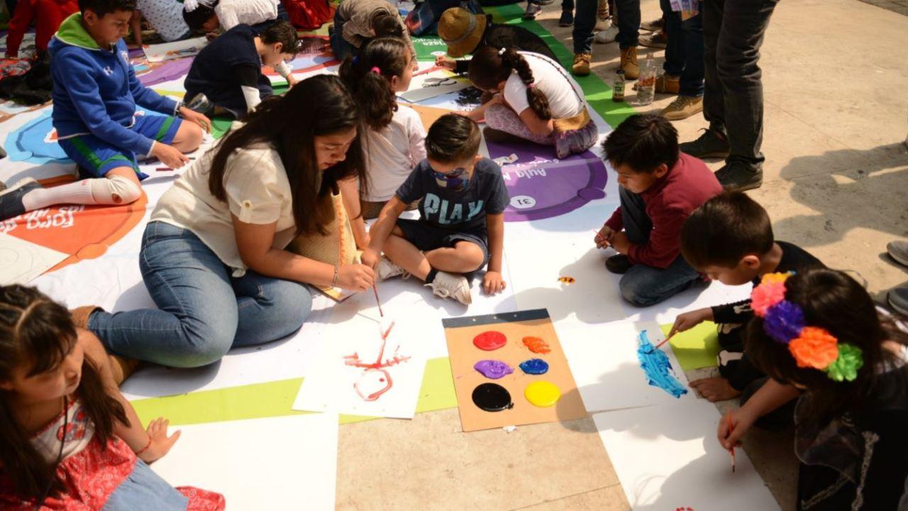 Cenart reúne a miles de familias en la Feria de las Calacas