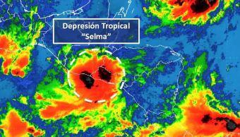Depresión tropical 'Selma' toca tierra al sureste de El Salvador