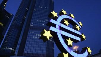 El BCE considera extender la compra de activos