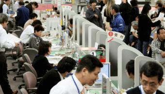 Empleados japoneses exceso de trabajo Jornadas laborales