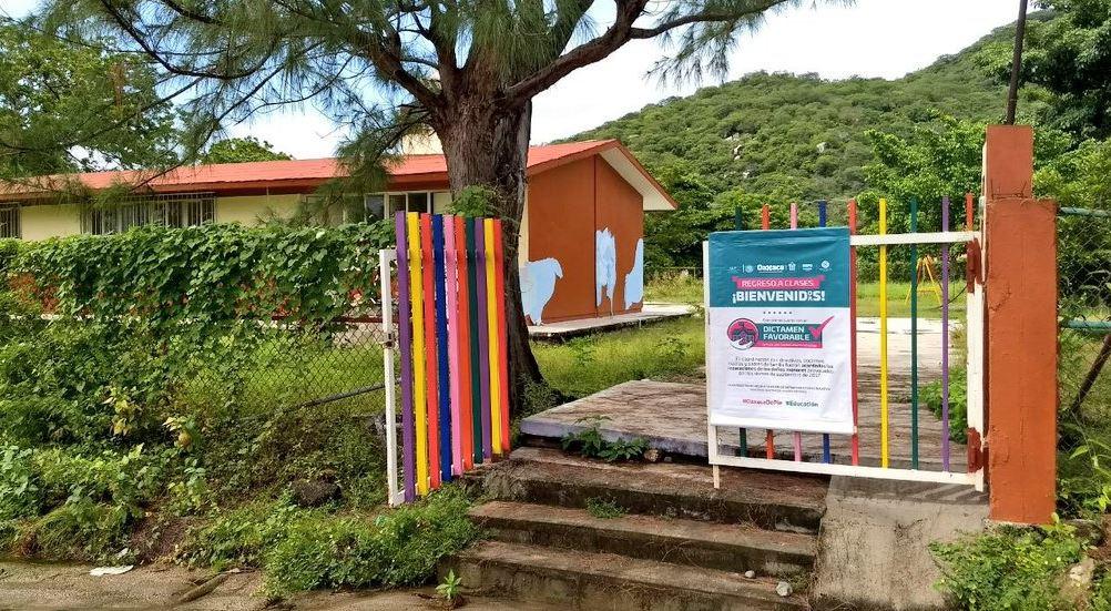 Entregan primeras escuelas reparadas en región del Istmo en Oaxaca
