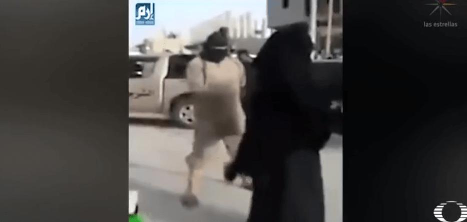 Estado Islámico castiga a mujeres con latigazos en plaza pública