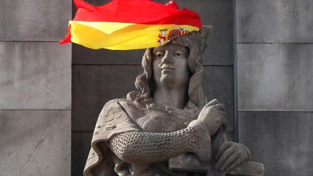 España llama a secesionistas catalanes a obedecer a Madrid