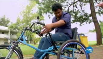 Adaptan silla de ruedas para personas con discapacidad motriz
