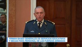 Firman bases generales de becas para personal de fuerzas armadas