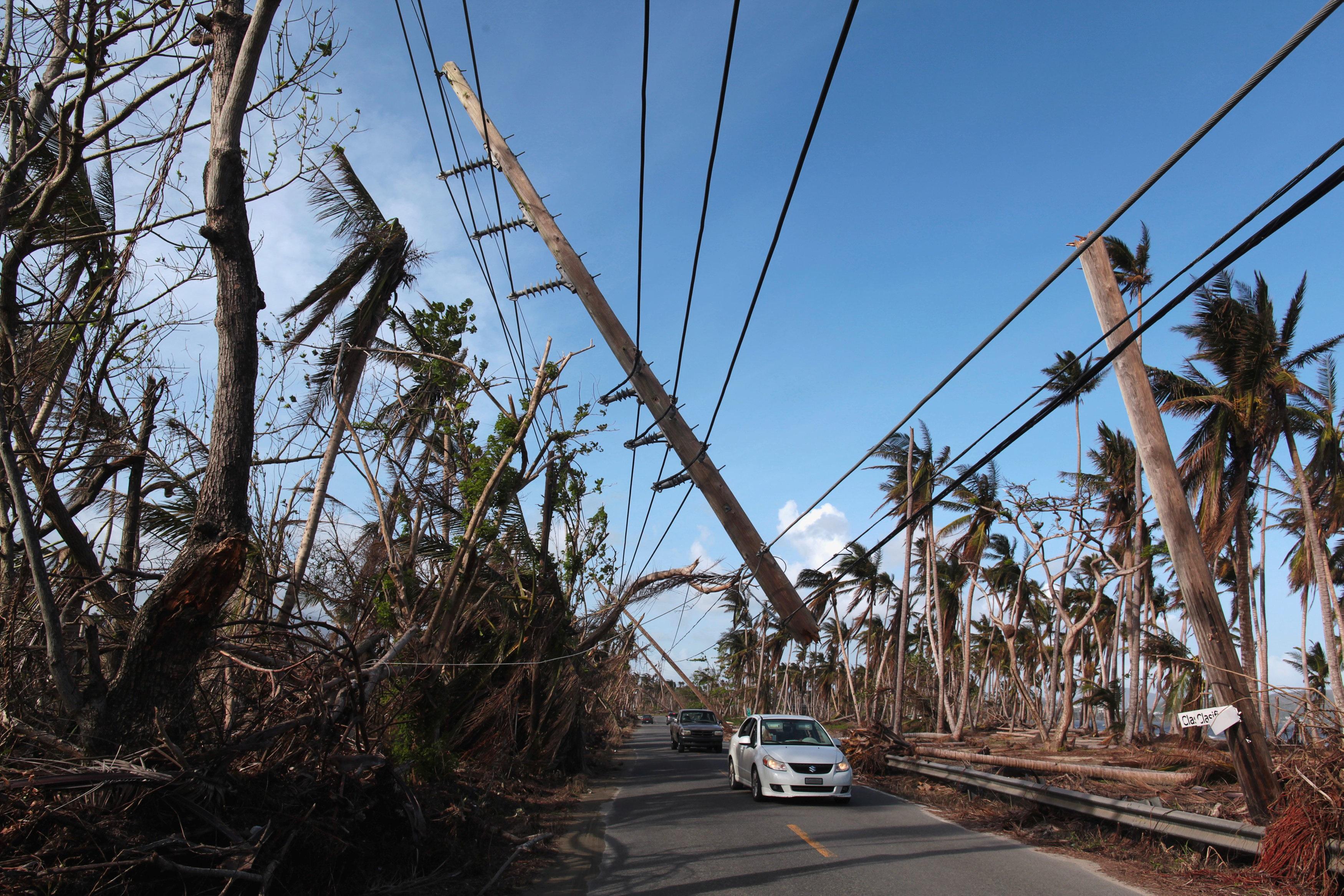 Congreso de EE.UU. aprueba ayuda de 36.500 mdd tras huracanes
