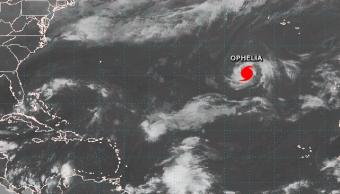 El huracán 'Ofelia' avanza hacia Europa