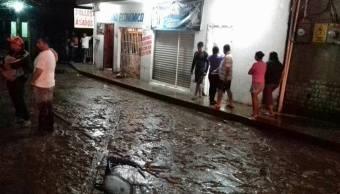 Desborda arroyo en Pichucalco, Chiapas; activan refugio temporal