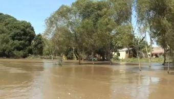 Inundaciones incomunican a comunidades de Hidalgotitlán, Veracruz